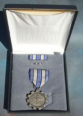 US AIR FORCE ACHIEVEMENT MEDAL SET