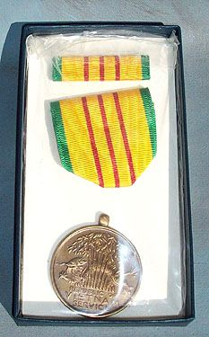 US VIETNAM SERVICE MEDAL - BOXED - US ISSUE