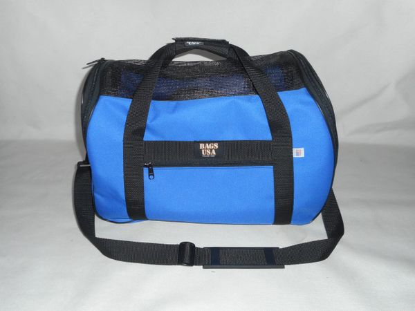 Pet carrier deluxe model Airlines Approved dog or cat carrier Made in USA.