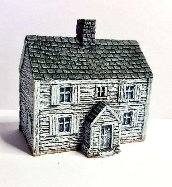 (10mm) Two Storey Clapboard House (10B009)