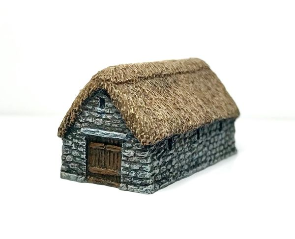 (6mm) Thatched Stone Barn (6B037)
