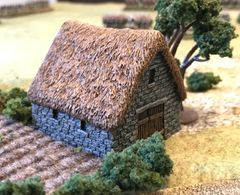 (10mm) Thatched Stone Barn (10B028)