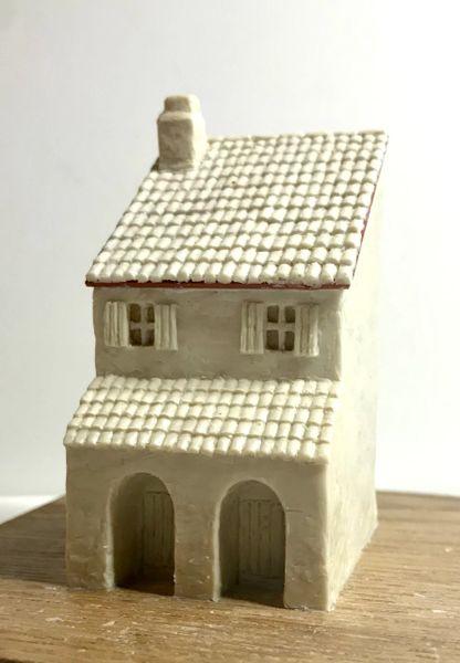 10mm Two Storey Mediterranean House (no.2)