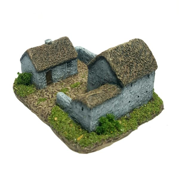 (6mm) Thatched Farmstead (6B020)