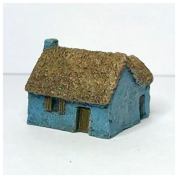 (6mm) Pack of 2 x Thatched Russian Hovels (6B032)