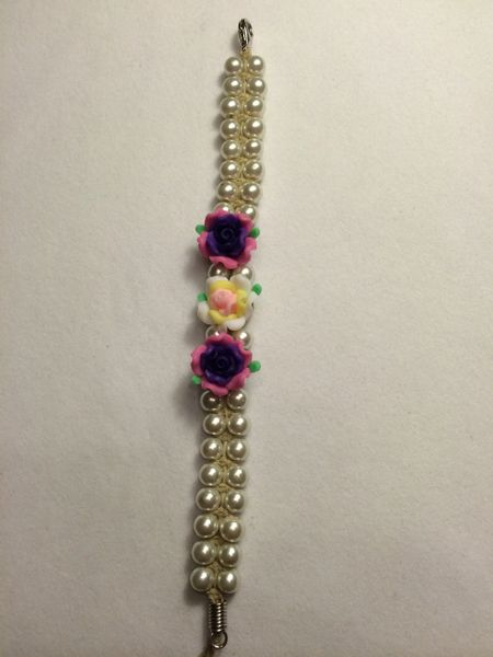 7 inch Bracelet White with Purple Flower Beads