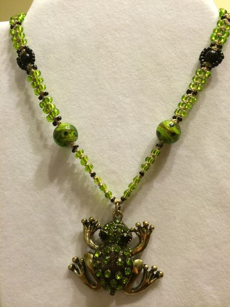 18 inch Necklace Green with Frog Pendant