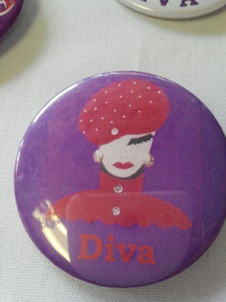 Diva 1 Button #2142