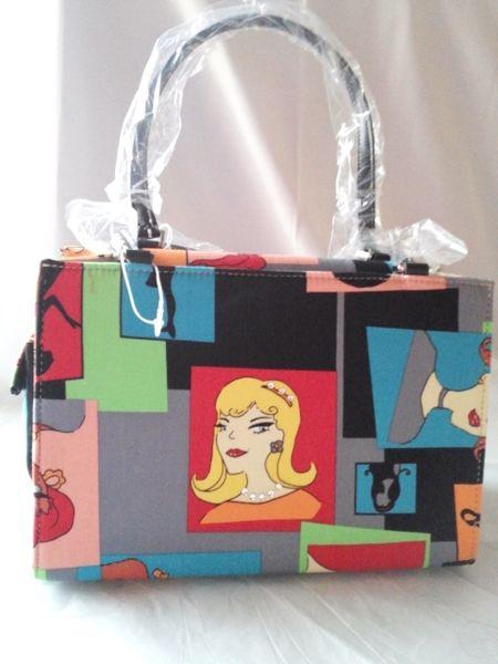 Four faces purse