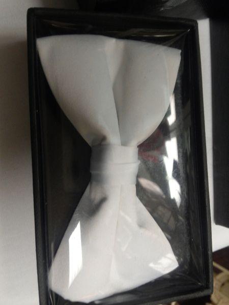 White Bow Tie #M3