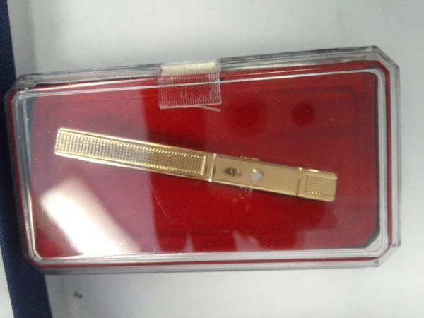 Gold Tie Bar w Stone #M23