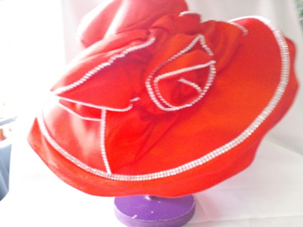 Wide red flower burst hat