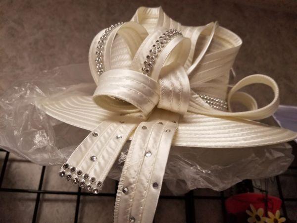 Ivory Fancy Hat 418203