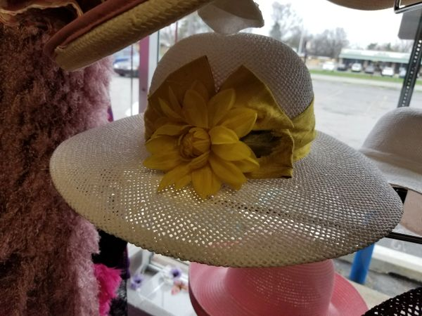 White Hat with Yellow Bow 418236