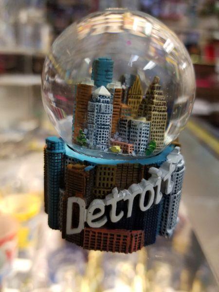 Detroit 3 Small Globe 1473