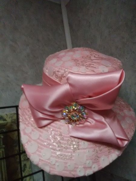 Fancy Pink Hat REDF35
