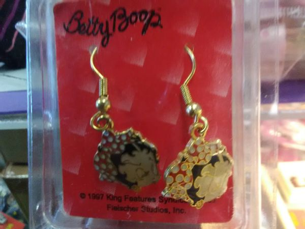 BB Betty in Scarf Earrings boop104