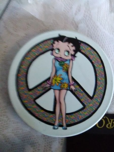 2 Betty Boop Peace Retired Magnets boop174