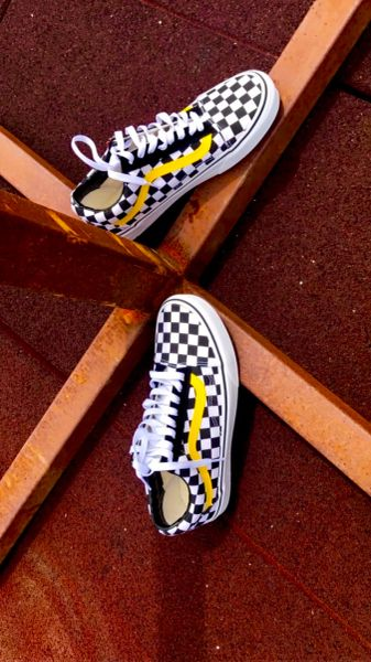 Nascar Vans (yellow stripe)