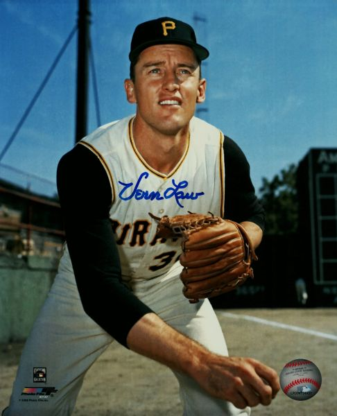 Vern Law autograph 8x10, Pittsburgh Pirates