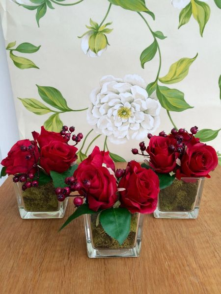 Set Of 3 Red Rose Amp Berries Moss Lined Glass Cube Flower