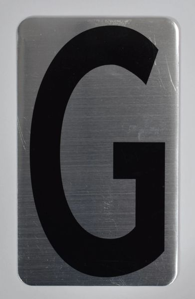 Apartment number sign G (SILVER, ALUMINUM SIGNS 5X3)- The Hippo Line