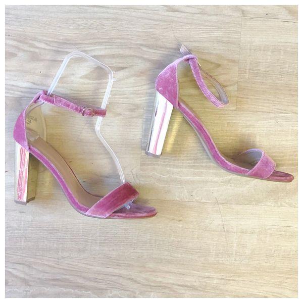 e0089bed57c Size 10 Just Fab Pink Velvet Heeled Sandals