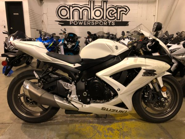 2009 Suzuki GSX-R 600 with only 1k miles