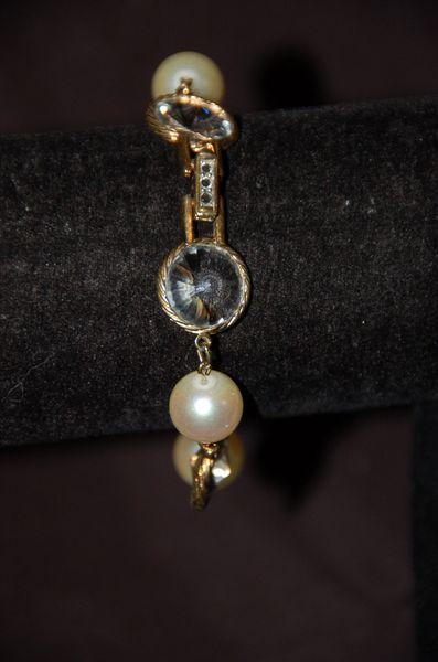 Vintage Pearl & Crystal Bracelet