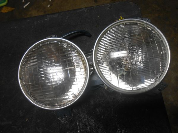 Mercedes W108 headlight assembly