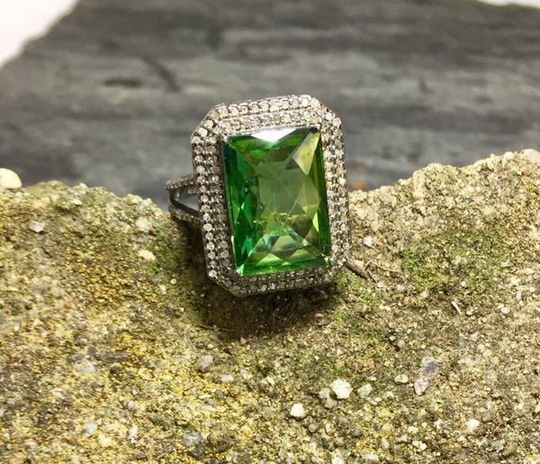 Lime Quartz with Double Diamond Surround