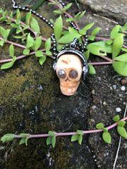 Skull with Diamond Peace Headphones
