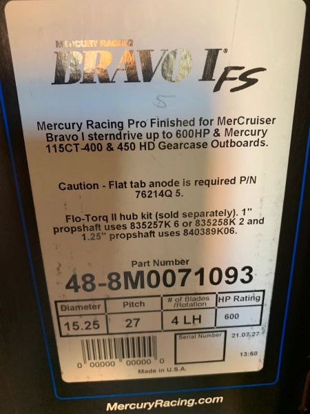 NEW Mercury Bravo I FS propeller 48-8M0071093 27 pitch LH