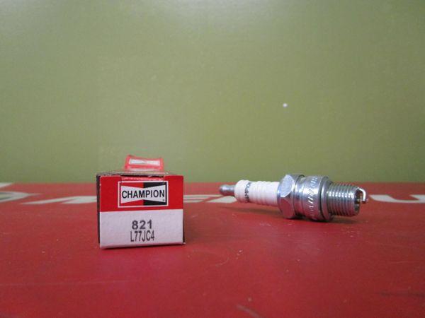 Champion spark plug 821 L77JC4