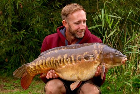 Carp fishing. Day ticket. Exclusive lake hire. Booking a lake. Cambridgeshire.