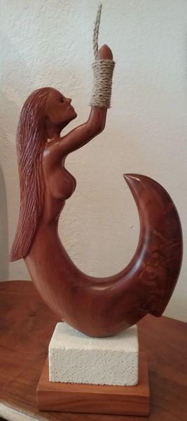Isla Aquarius Fish Hook Sculpture FL Keys Wild Tamarind