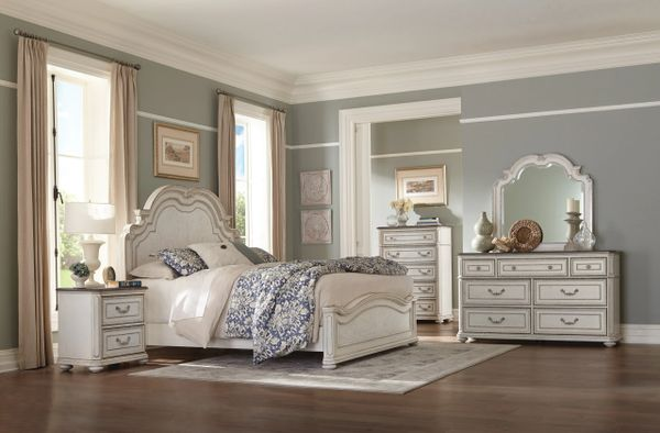 5 Piece Antique White Bedroom Set from the Willowick Collection  (MMIDSXE1614)