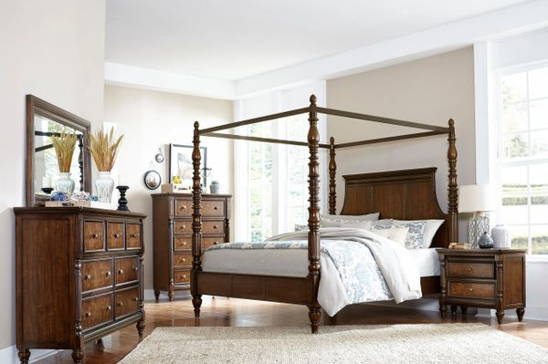 5 Piece Traditional Style Verlyn Canopy Bedroom Set (MMIDSXE1946.5PCS)