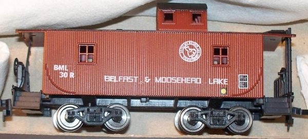 Belfast & Moose Head Lake Wooden Caboose HO Decal Set