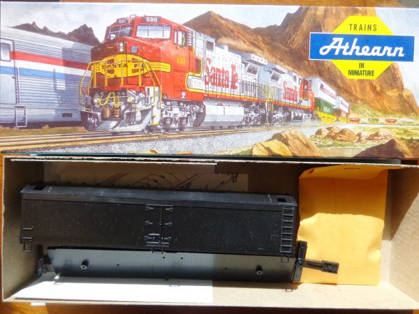 ATHEARN NEW OLD STOCK 50 FT WOOD EXPRESS REEFER UNDEC KIT HO SCALE