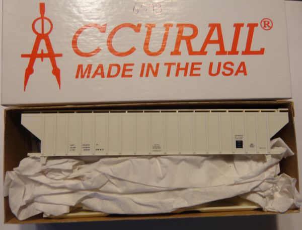 ACCURAIL 6593 HO SCALE 4750 CU FT RIBBED HOPPER, WHITE, DATA