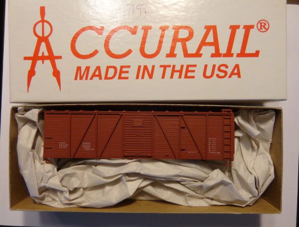 ACCURAIL 7199 HO SCALE 40 FT WOOD O.B. BOXCAR, OXIDE RED, DATA