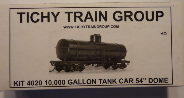 TICHY 4020 HO SCALE, 10,000 GALLON TANK CAR UNDECORATED KIT.