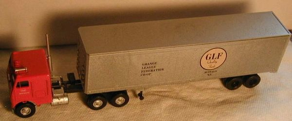 GLF GRAIN TRAILER GRANGE LEAGUE FEDERATION CO-OP. HO SCALE DECAL SET.