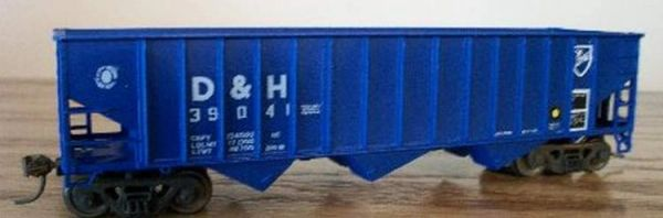 DELAWARE AND HUDSON GLASS RECYCLING HOPPER HO SCALE DECAL SET.