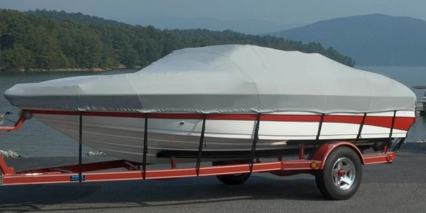 semi-custom boat cover with tie down straps