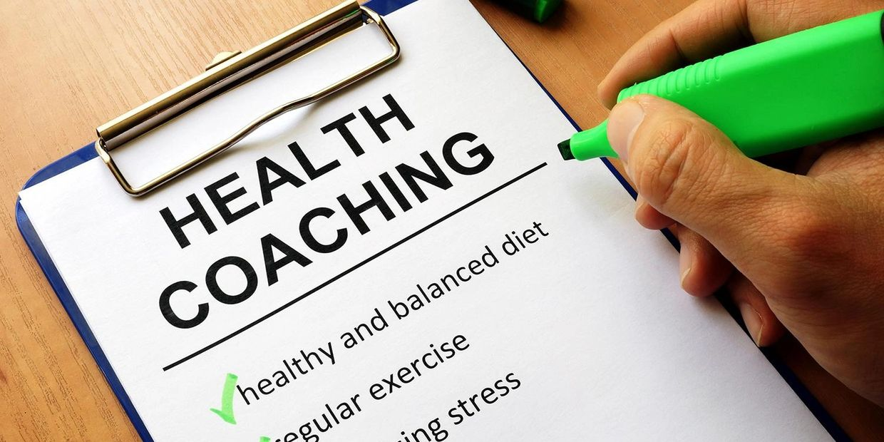 Image showing a clipboard with advantages of Health Coaching - Healthy balance diet, Regular exercis