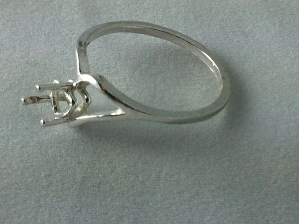 6x6mm Trillion Sterling Silver Half Shank Style Pre-Notched Ring Setting Size 5-9