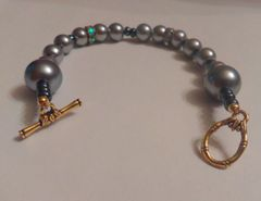 "Beautiful 7.5"" Hand Made Metallic Imitation Pearl Bracelet With Beaded Toggle Bar Clasp Assembly"