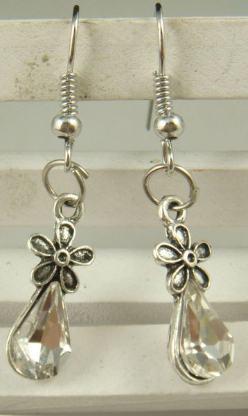 Cute Pair of Silver Plated Flower Dangle Earrings (Pierced)